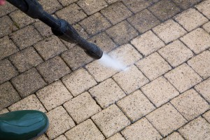 Outdoor floor cleaning with high pressure water jet ** Note: Visible grain at 100%, best at smaller sizes